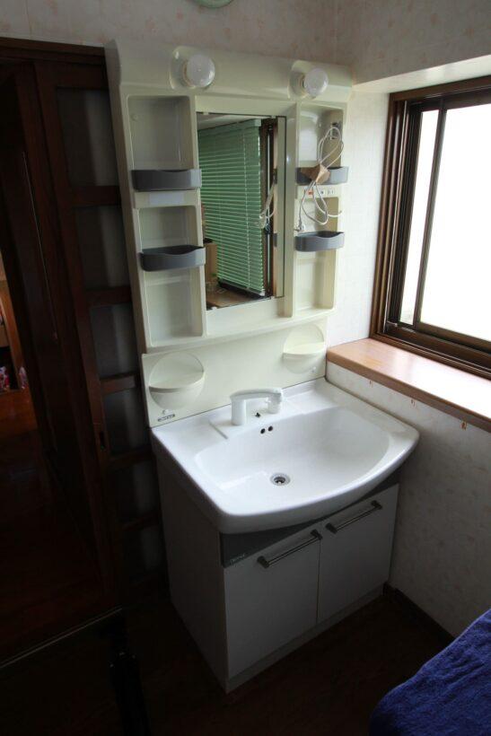 洗面台入替工事施工前写真